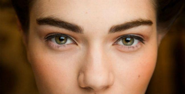 ¿Cómo puede beber vinagre de sidra de manzana beneficiar a su piel