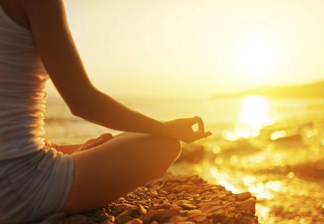 Cómo eliminar el estrés con el yoga